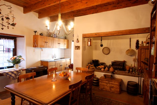 CDQ-Country-House-Kitchen1