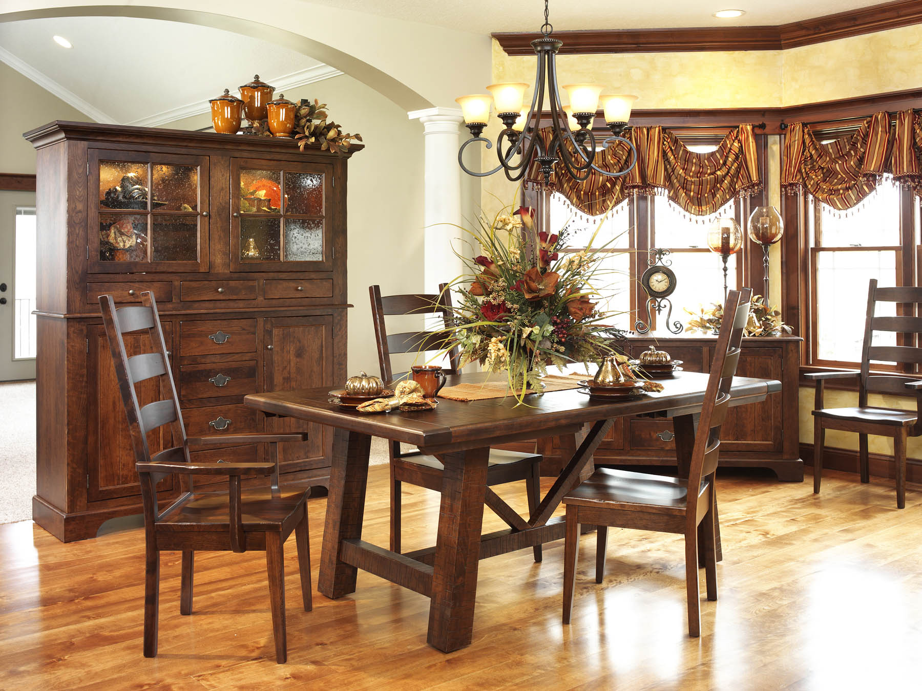 Early-American-Country-Farmhouse-Dining-Room-Set-Amish-Furniture-