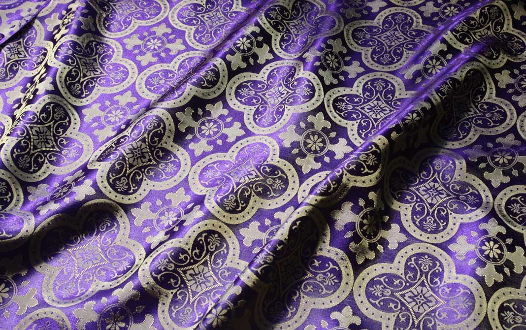 brocade_quatrefoil_gold_purple