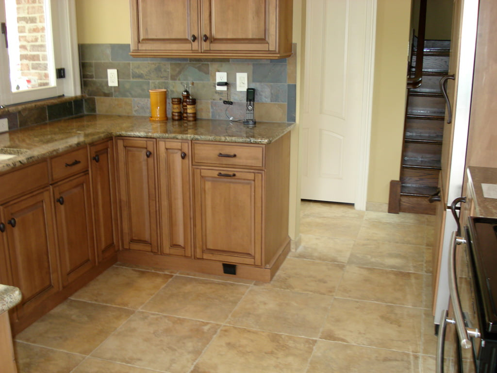 kitchen-tile-flooring-389