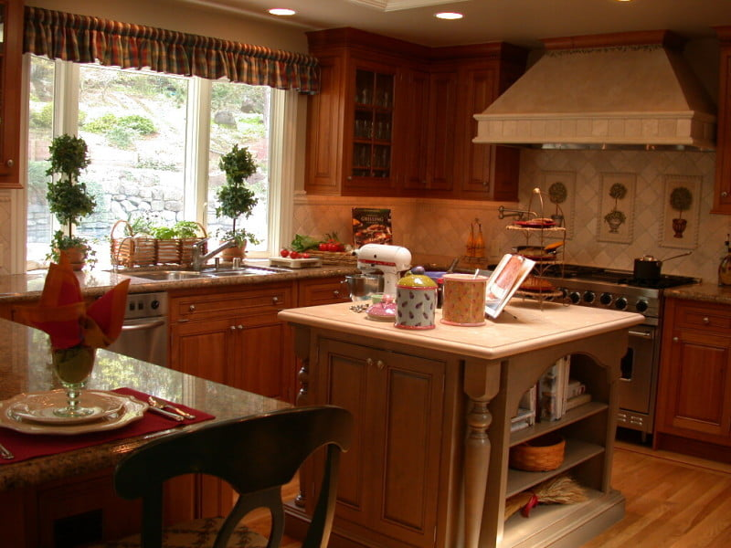 kitchens-gorgeous-french-country-style-kitchen-design-with-beautiful-small-kitchen-island-and-colorful-plaid-kitchen-valance-20-cool-french-country-inspired-kitchen-ideas