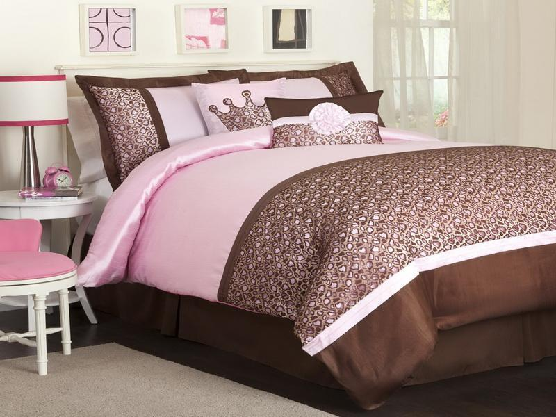 Beautiful-Pink-and-Brown-Bedroom-Decorating-Ideas