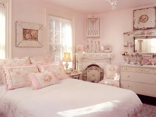 RMS-vintagerosecollection_shabby-chic-pink-bedroom-feminine-floral_s4x3_lg