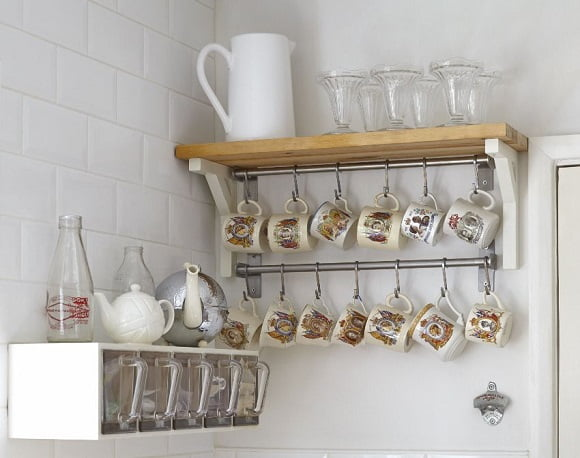 country-style-kitchen-storage-vintage-580