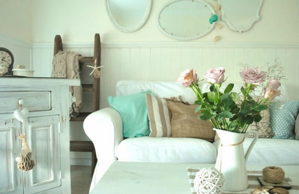 pastels-colors-vintage-furniture-roses-Shabby-Chic-living-room-interior-design-ideas