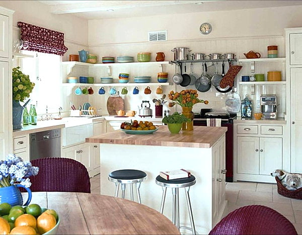 Open-shelving-in-a-bright-kitchen