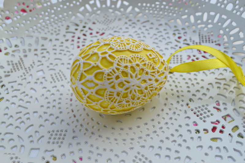 Yellow-Easter-Egg-Hanging-Decoration-Filigree-Lace-Effect-171275717539-3
