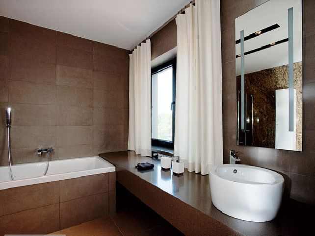 Brown-and-white-bathroom-ideas