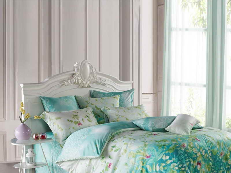 What-Color-Is-the-Tiffany-Blue-for-Home-Decor-with-the-white-wall